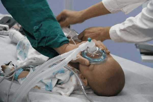 """全麻下进行""""腺样体肥大""""刮除手术,对于小儿来说是否安全?"""