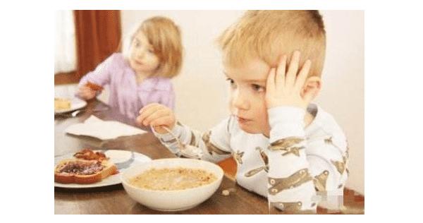 孩子积食了有哪些表现?附:简单判断积食的方法