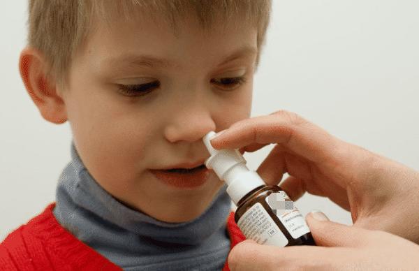 过敏性鼻炎与腺样体肥大存在哪种关系?