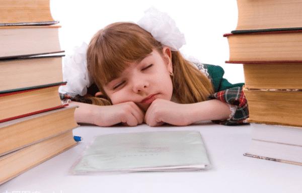 5岁男童腺样体肥大睡觉憋气,医生:分清情况很重要!
