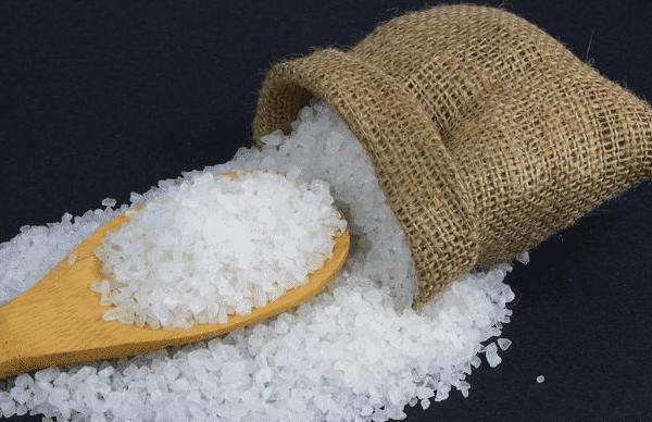 身体出现这5个迹象,提醒你吃盐太多了!