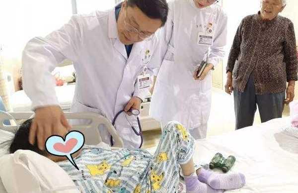 古草世家:腺样体肥大手术费用与手术经过!