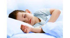 小孩尿床是什么原因引起的